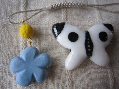 画像2: モンシロチョウの帯留めと青いお花の帯飾り