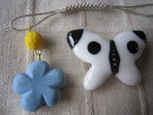 他の写真2: モンシロチョウの帯留めと青いお花の帯飾り